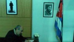 Ölümsüz Fidel'i selamlamak için Küba Büyükelçiliğindeydik