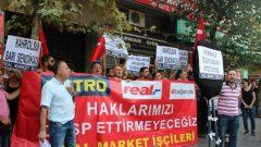Real Market İşçileri, Sarı Sendikacılığı, Tez-Koop-İş Sendikasını Proteste Etmek için 1 Numaralı Şube Önüne Siyah Çelenk Bıraktı