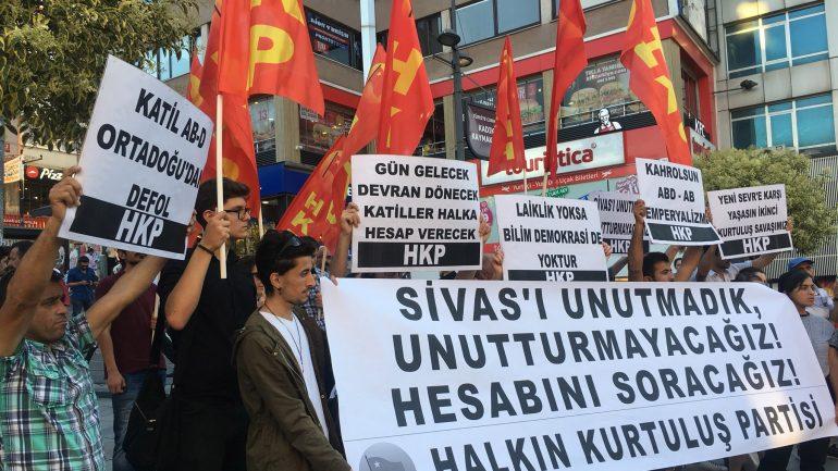 Sivas Katliamı'nı İstanbul'da lanetledik