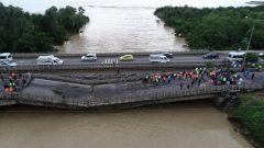 Köprüleri Sel aldı Fındığı Deniz