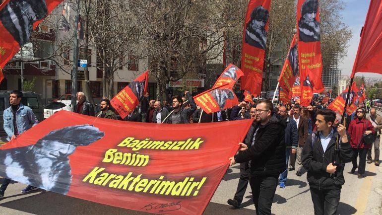 """23 Nisan 2019'da yasak devam etti, Kalpaklı Mustafa Kemal ve """"Bağımsızlık Benim Karakterimdir"""" sözü Anıtkabir'e alınmadı!"""