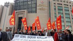 HKP Genel Başkanı Nurullah Ankut, tamamıyla kanun dışına düşmüş mücrimler topluluğu olan AKP'giller'i, toplamda 4 yıl 8 ay hapis cezası aldığı iki davanın karar duruşmasında bir kez daha yargıladı