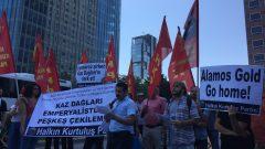 HKP'liler bir kez de İstanbul Kanada Konsolosluğunda haykırdı:  Kaz Dağları Emperyalistlere ve yerli işbirlikçilerine peşkeş çekilemez!  Kaz Dağları'nı katletmek vatana ihanettir!