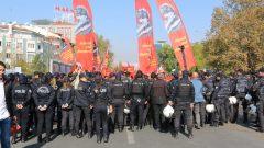 Mustafa Kemal ve Birinci Kuvayimilliyeciler pes etmediler, zafere yürüdüler, Bu ülkenin İkinci Kurtuluş Savaşçıları Halkın Kurtuluş Partililer de pes etmeyecekler, zafere yürüyecekler…