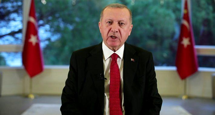 Partimizden Mustafa Kemal'e İsmet İnönü'ye ve silah arkadaşlarına hakaret eden Ucuz Ayasofya Tiyatrosunun baş aktörü Kaçak Saraylı Reis hakkında bir kez daha suç duyurusu