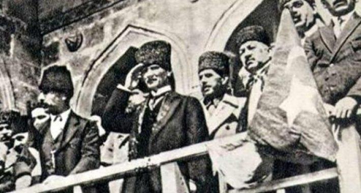 Emperyalistler, işbirlikçiler geldikleri gibi gidecekler!  9 Eylül Kutlu Olsun!