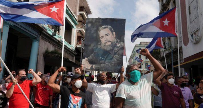 """Ey İnsan Soyunun En Büyük Düşmanı ABD Haydudu! """"Ya Özgür Vatan Ya Ölüm!"""" diyen Küba Halkını ve Önderliğini yenemediniz, yenemeyeceksiniz!"""