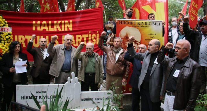 Türkiye Devrimi'nin Önderi Hikmet Kıvılcımlı'yı bedence aramızdan ayrılışının 50'nci yılında İşçi Sınıfının direniş okullarından gelen işçilerle, mücadele alanlarından gelen yoldaşlarıyla, kendini ateşin kalbine atan önderlerimizle andık